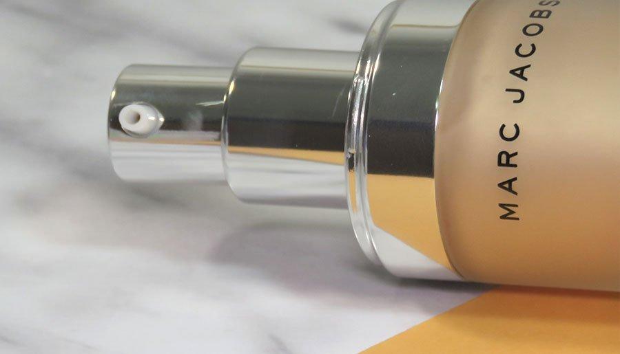 marc jacobs beauty Dew Drops Coconut Gel Highlighter líquido dew you iluminador 6